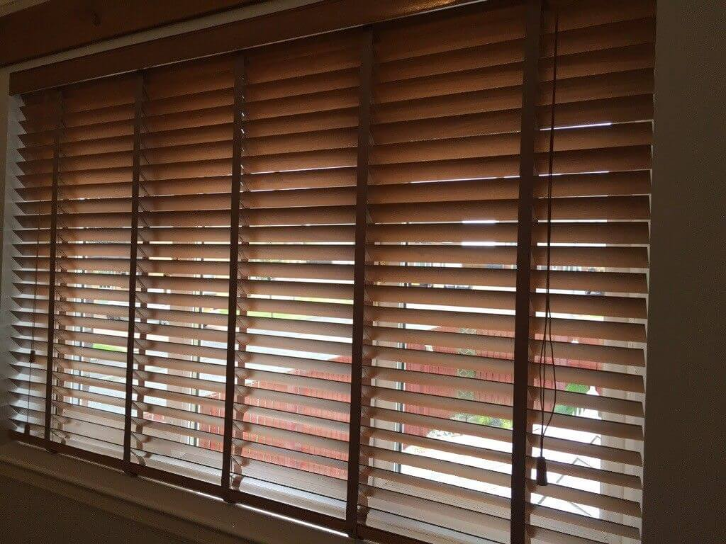 Wooden Blinds for windows in Bangalore, Roller Blind ...
